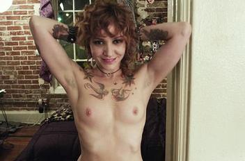 Megan duffy topless 23ff4cfc thumbnail