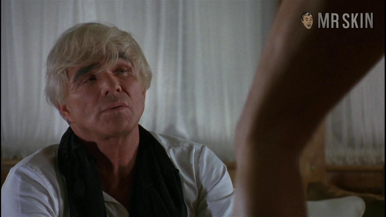 Striptease moore hd 005 large 3