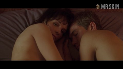 Breakingandentering binoche hd 01 large 5