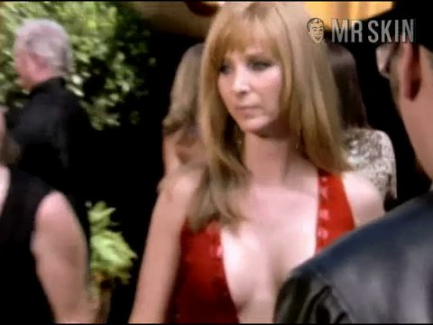tv show nude lisa kudrow