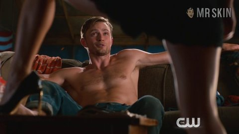 Hartofdixie 04x01 bilson hd 02 large 3