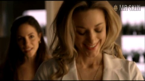 Lostgirl ep1 silk 1 large 3
