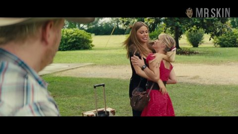 Hotpursuit sofiavergara reesewitherspoon hd 03 large 3