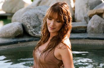 Jane seymour  09  740a3c1c thumbnail