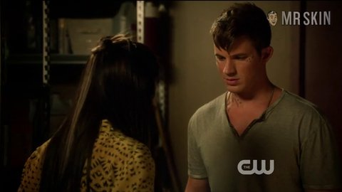 Starcrossed 01x03 jow hd 01 large 3