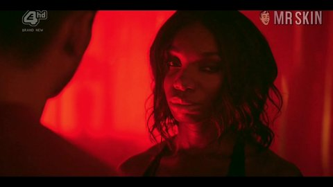 Aliens the 01x06 michaelacoel hd 02 large 5